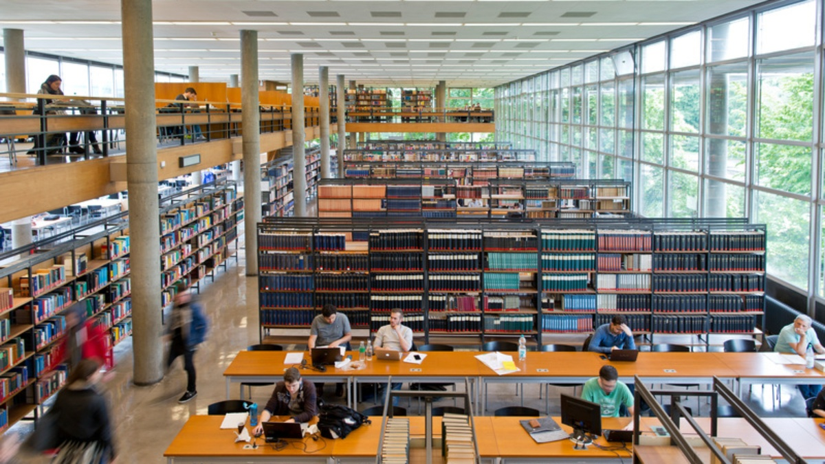 Library  (c) Universität Stuttgart